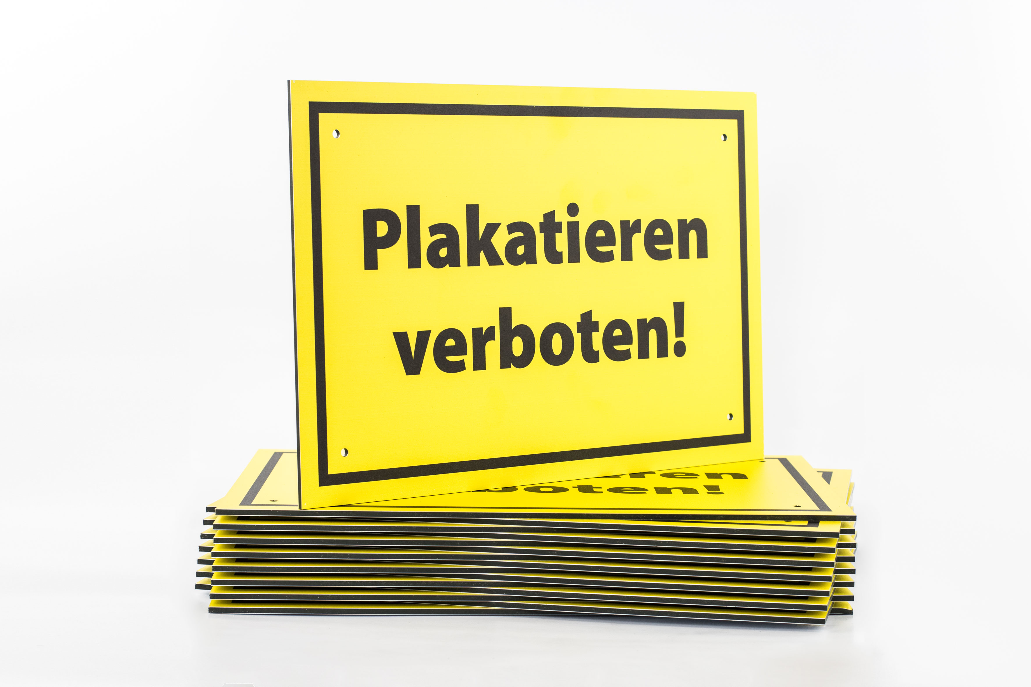 plakatieren verboten rot warnschild verbotsschild plakate. Black Bedroom Furniture Sets. Home Design Ideas